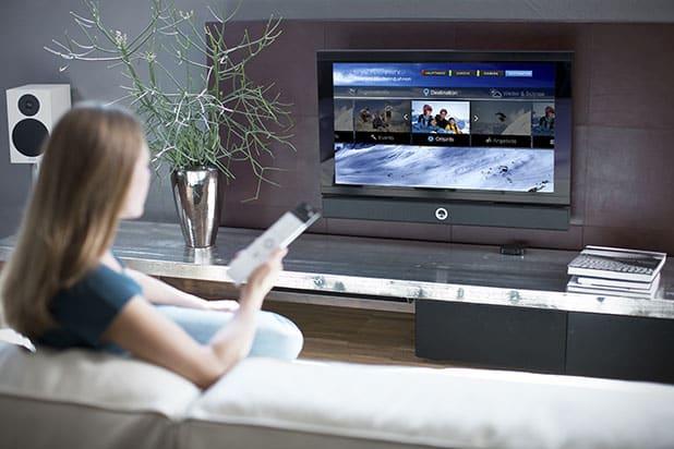 BILD zu TP/OTS - Ab sofort können Destinationen ihre digitale Visitenkarte über Smart TV einem Millionen Publikum im In- und Ausland präsentieren. Und das rund um die Uhr. Möglich macht's das brandaktuelle Upgrade der App feratel PanoramaTV.