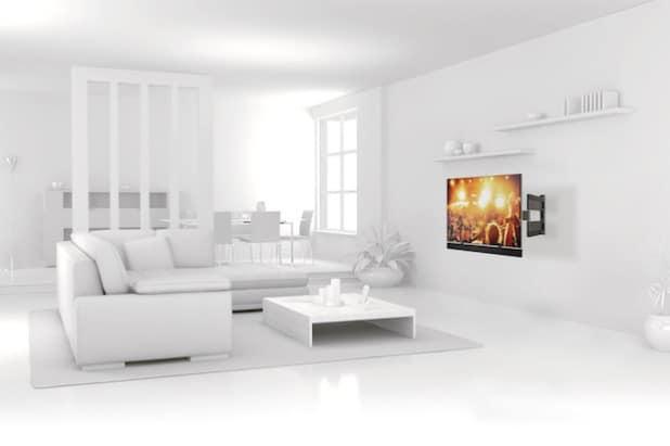 Freie Sicht auf den XXL-Bildschirm: Eine Befestigung an der Wand bietet zahlreiche Vorteile - Foto: djd/Schnepel GmbH & Co.