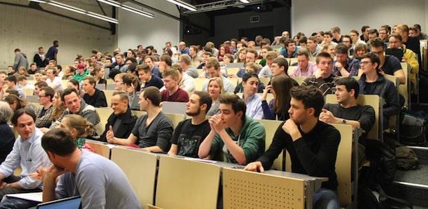 """Photo of 220 Studierende erleben BPM """"live"""" mit Horus zum Studienstart"""
