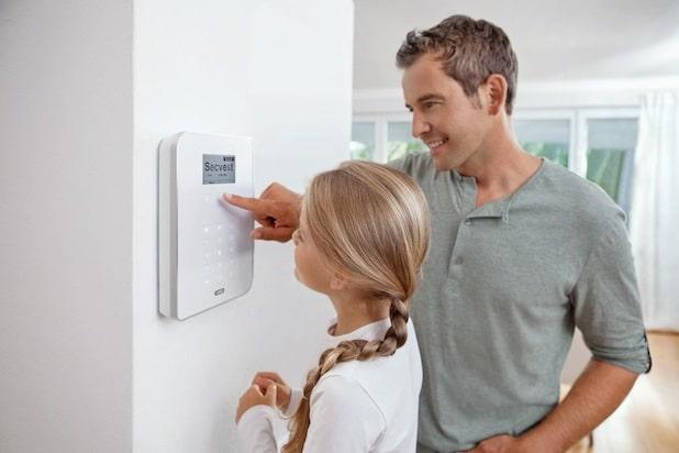 Photo of Moderne Sicherheitstechnik schützt das Haus während der Abwesenheit