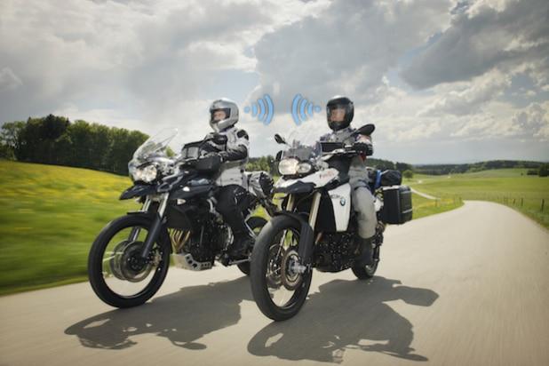 Photo of Kommunikation unterm Motorradhelm