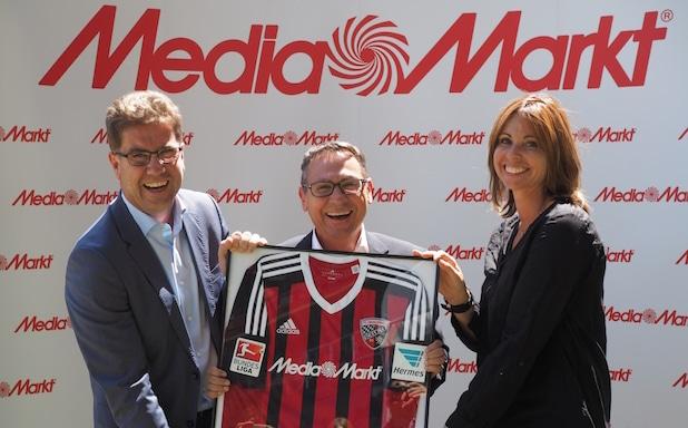 """Photo of """"Ein erstklassiges Vergnügen"""" – Media Markt wird Trikotsponsor des FC Ingolstadt 04"""