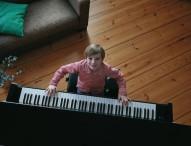 Bei einem Silent Piano hört nur der Spieler selbst die Musik