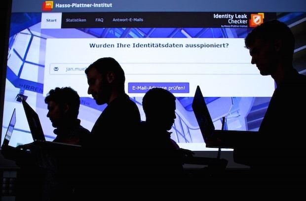Photo of Hasso-Plattner-Institut spürte 2015 im Internet 35 Millionen geraubte Identitätsdaten auf