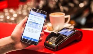 Weltpremiere: Erste girocard-Transaktion mit girocard mobile und Vodafone Wallet