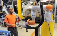 Arbeiten Hand in Hand dank Industrie 4.0