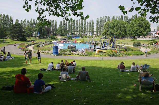 Photo of YOU im Sommergarten: Wipeout Parcours im Event-Pool, BMX-Shows und Kartbahn
