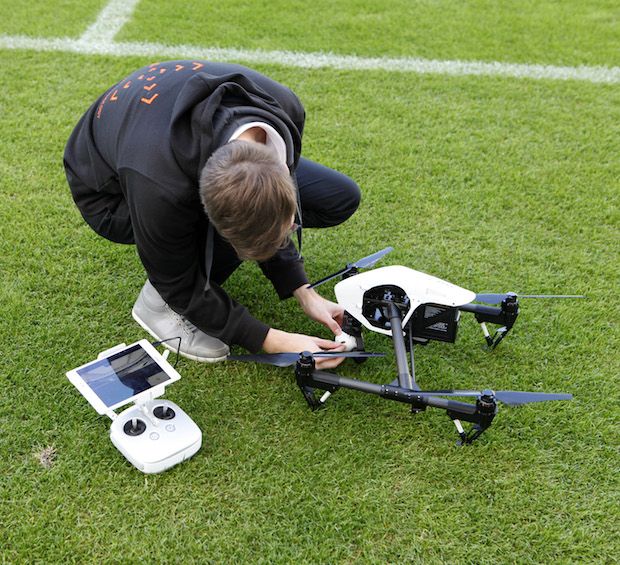 Photo of Erstes Fußballstadion testet Tracking-Systeme gegen Drohnenangriffe