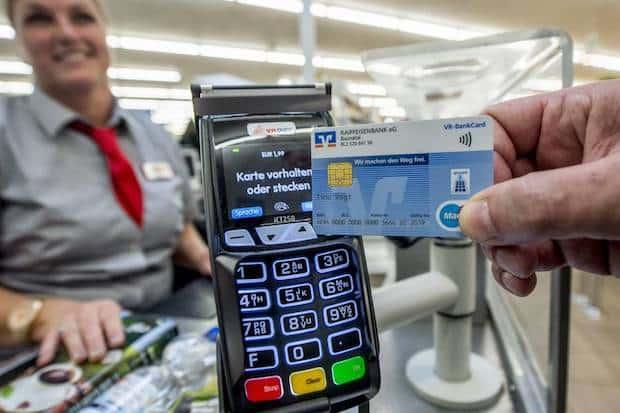 Photo of Kontaktloses Bezahlen: girocard nimmt Funkverbindung mit dem Terminal auf