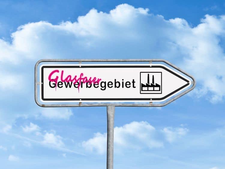 Photo of Telekom – Spleißen, Fräsen, Schrauben für das Netz 2019