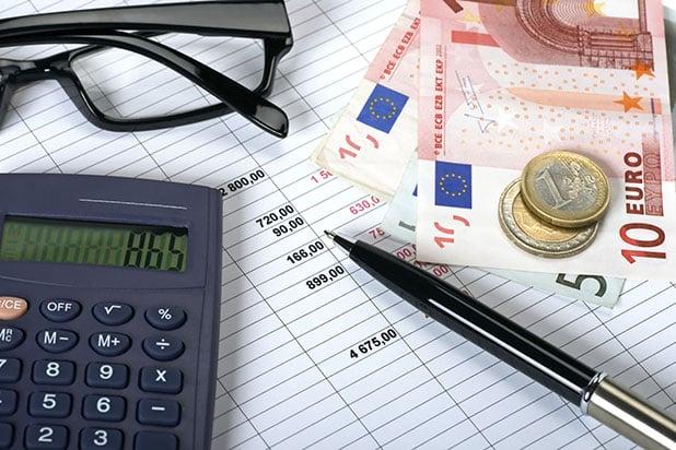 Einfach die Daten in den Gehaltsrechner eingeben, dann erhält man umgehend die gewünschten Infos. Foto: djd/thx