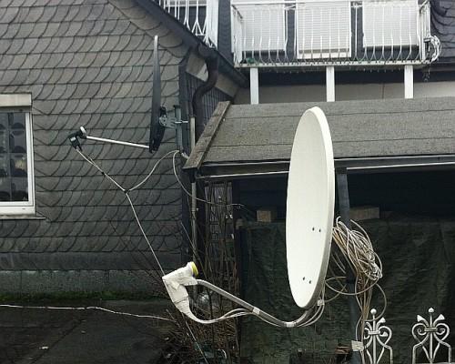 Abschaltung aller Analogen Sat-Programme: Am 30.4.2012 müssen alle alten Sat-Anlagen umgerüstet sein!